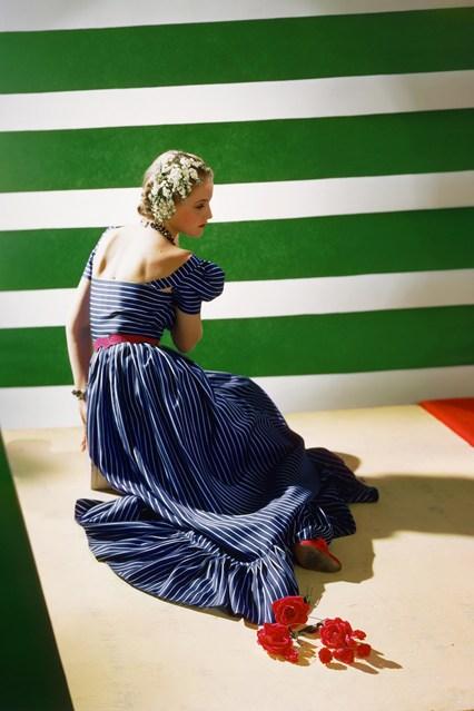 8-Dress-by-Hattie-Carnegie-1939-Conde-Nast-Horst-Estate-vogue-1may14-pr-b_426x639