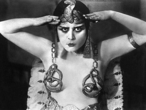 09-Cleopatra