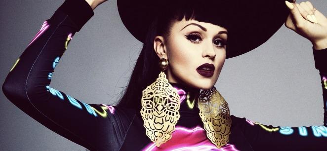 Viktoria+Modesta+by+Louie+Banks