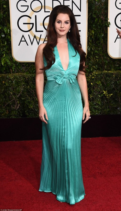 249B073600000578-2905807-Lana_Del_Rey_chose_a_look_reminiscent_of_Priscilla_Presley_and_h-a-19_1421063317915