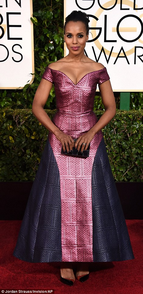 249B618E00000578-2905807-Kerry_Washington_s_off_the_shoulder_Mary_Katrantzou_gown_appeare-a-45_1421068025235