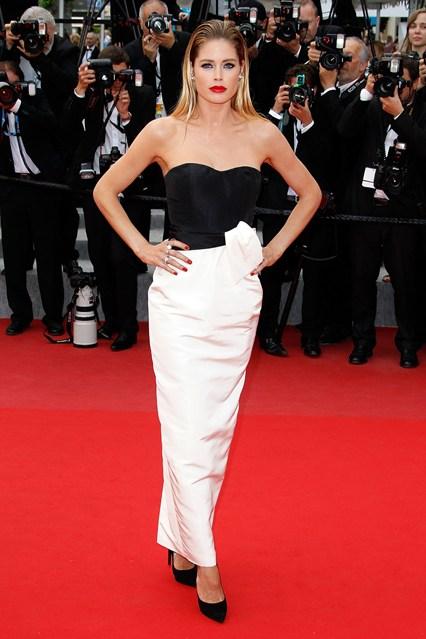 Doutzen-Kroes-full-length-Vogue-20May15-Getty_b_426x639