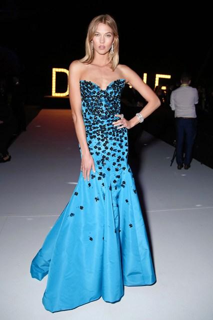 Karlie-Kloss-Vogue-20May15-Rex_b_426x639