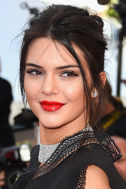 kendall-jenner-beauty-vogue-21may15-getty_b_426x639