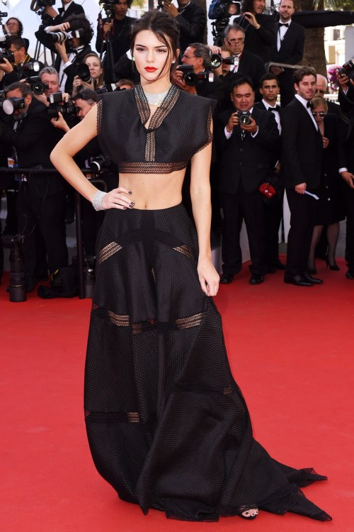 kendall-jenner-cannes-vogue-20may15-rex_b