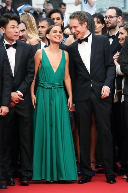 Natalie-Portman-Vogue-20May15-Getty_b_426x639