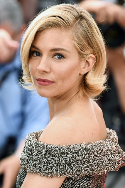 Sienna-Miller-Cannes-hair-Vogue-13May15-PA_b_426x639