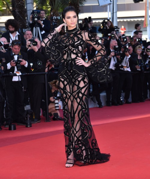 CANNES, FRANCE - MAY 15: US model Kendall Jenner arrives for the screening of the film From The Land Of The Moon (Mal De Pierres)' at the 69th annual Cannes Film Festival in Cannes on May 15, 2016. (Photo by Mustafa Yalcin/Anadolu Agency/Getty Images)