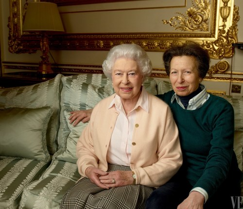 queen-elizabeth-birthday-90-annie-leibovitz-summer-2016-vf-03